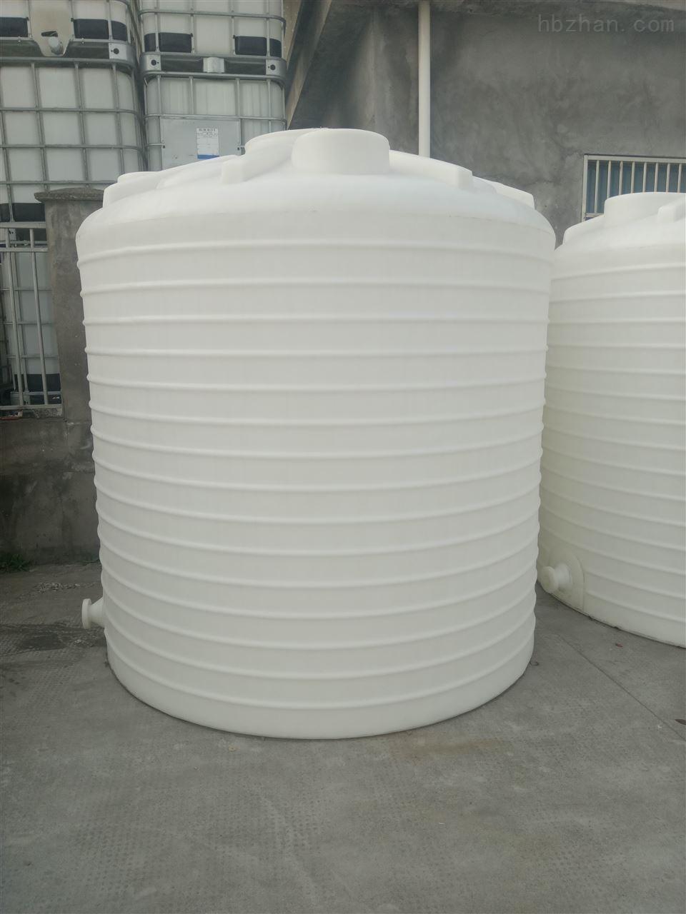 8吨加厚防腐PE化工储罐