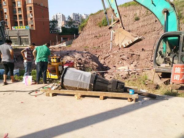 随州市房屋建设土石方开挖静态劈石机替代开采